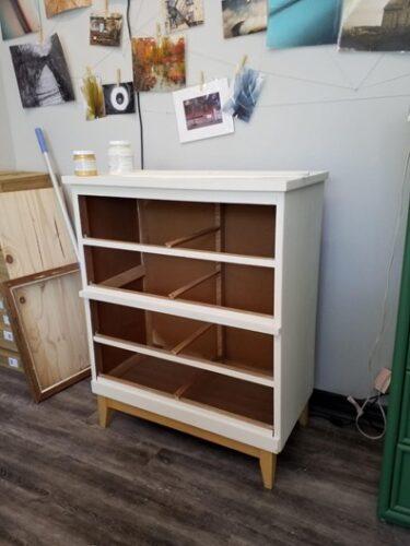 Thrifted dresser furniture flip DIY before
